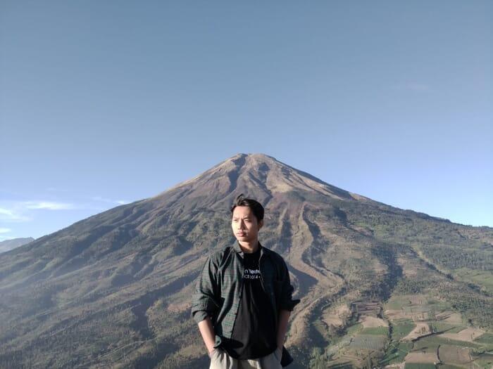 Gunung Kendil / Bukit siKendil: Menikmati Kemegahan Sindoro