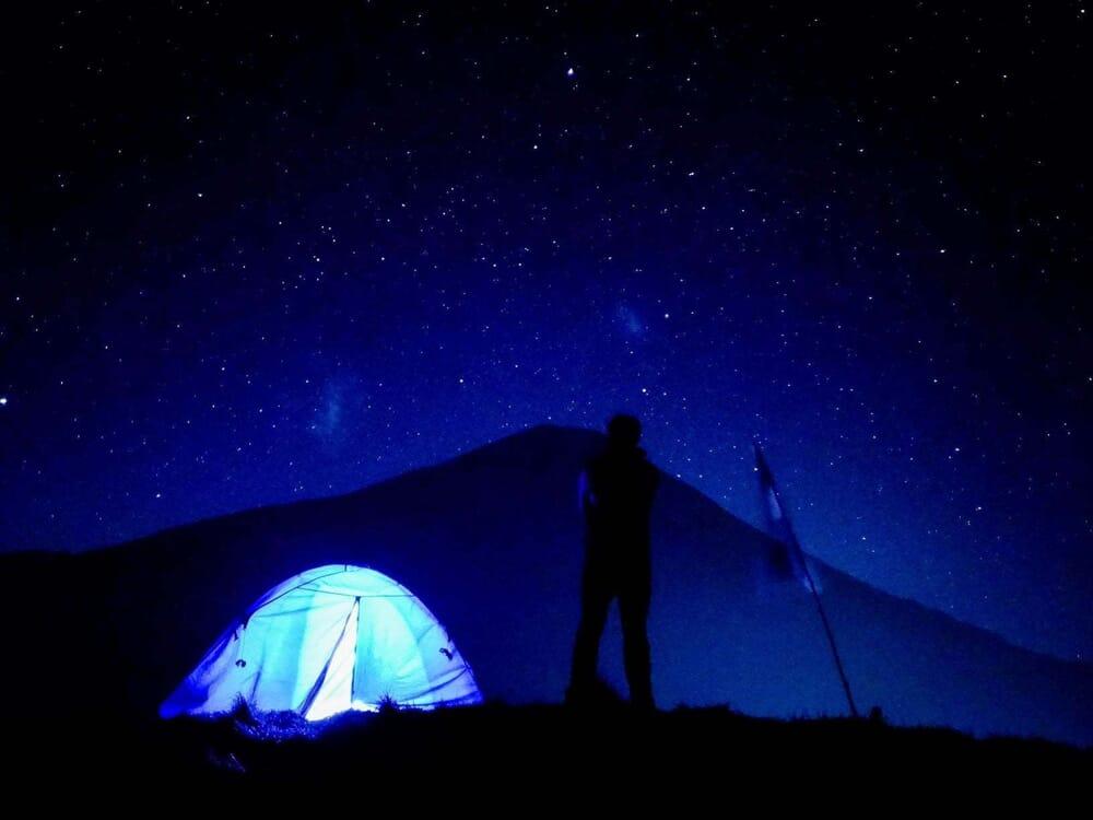 Malam hari di bukit kendil