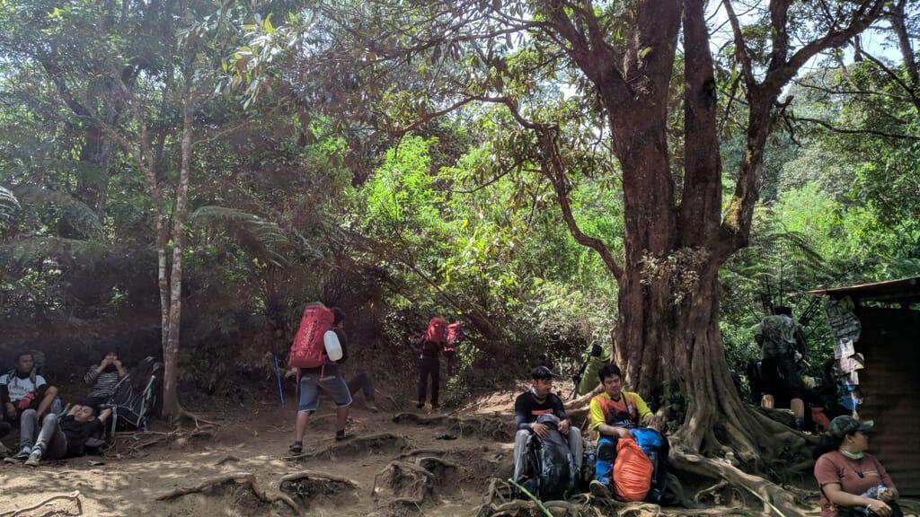 Pos 2 Gunung Lawu via cetho