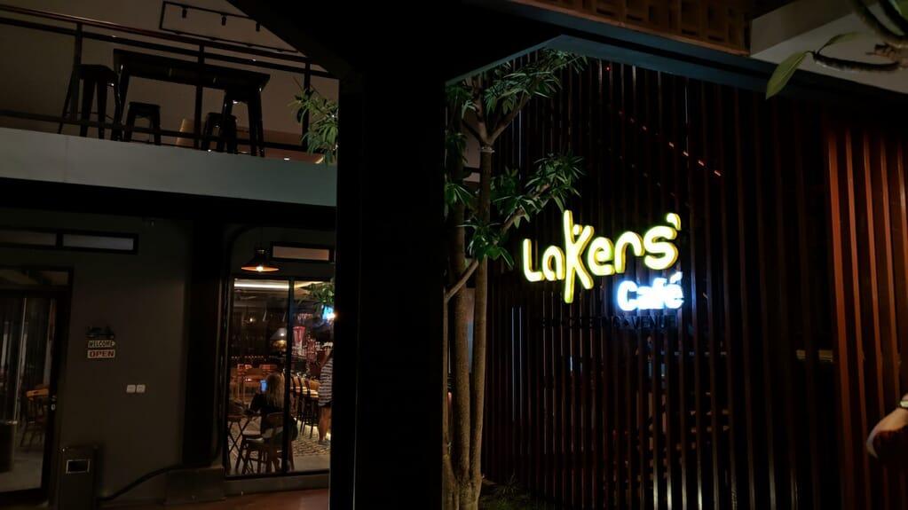 Cafe Lakers BSB Village : Menikmati Senja & Kopi